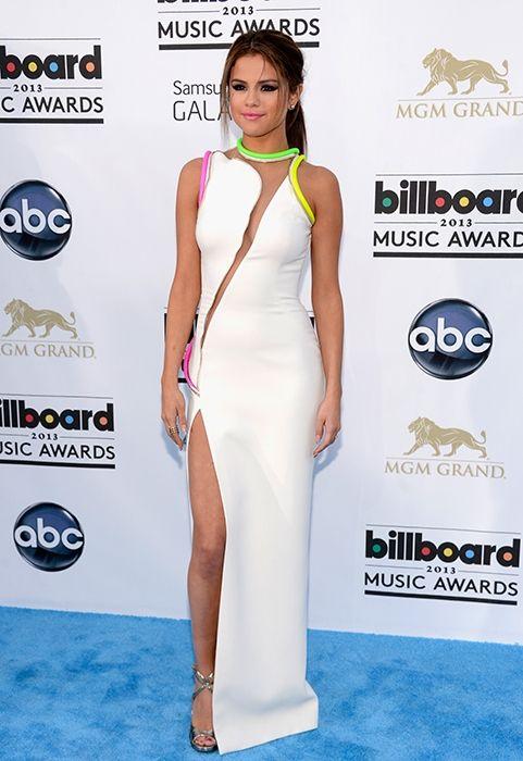 Selena Gomez en Atelier Versace en los Premios Billboard 2013