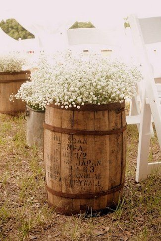 DIY Wedding Arches Ideas | ... confettidaydreams.com/17-diy-babys-breathe-burlap-lace-wedding-ideas