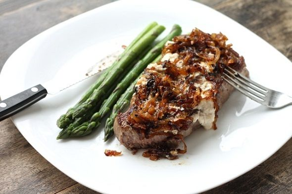 ... Beef Strip Loin with Caramelized Onions and Asparagus Amandine