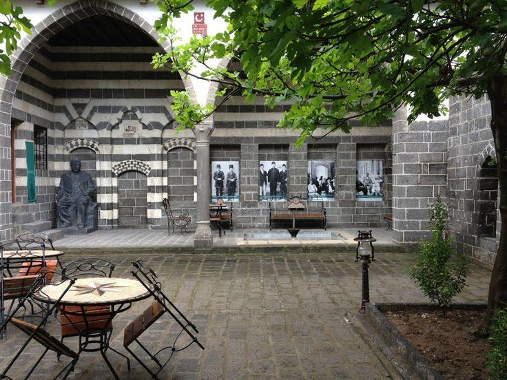 Diyarbakır Ziya Gökalp Müzesi, Ziya Gökalp'in doğduğu evdir. 23 Mart 1956 tarihinde müze olarak ziyarete açılmıştır. Yazarın kişisel eşyaları ve belgelerinden oluşan koleksiyonlar ile yörenin etnografik eserleri sergilenmektedir. #maximumkart