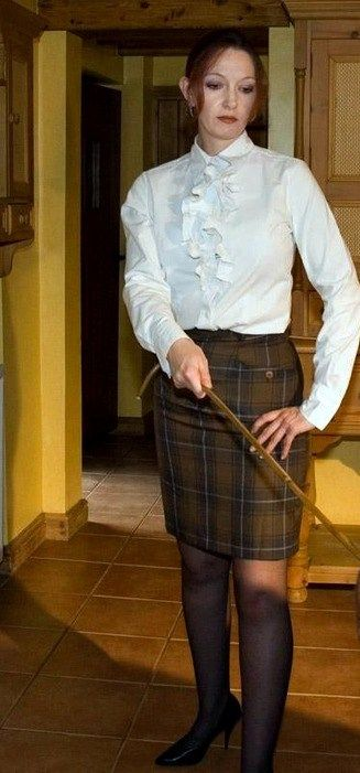 A judicial style caning from miss sultrybelle 8