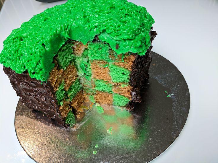 [Homemade] Minecraft Grass Block Cake