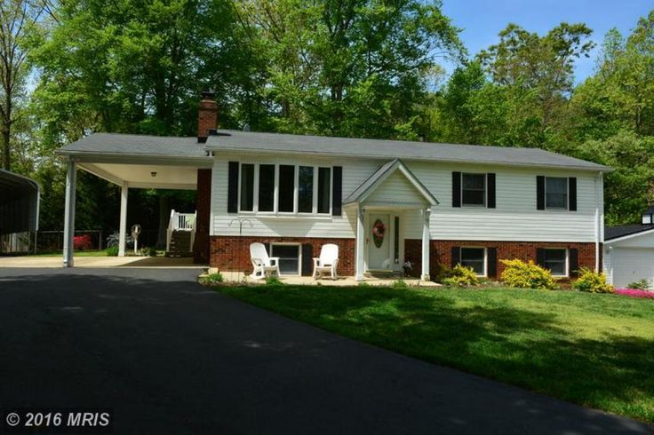 A Little Something For Everyone!! Beautiful Split Foyer ...