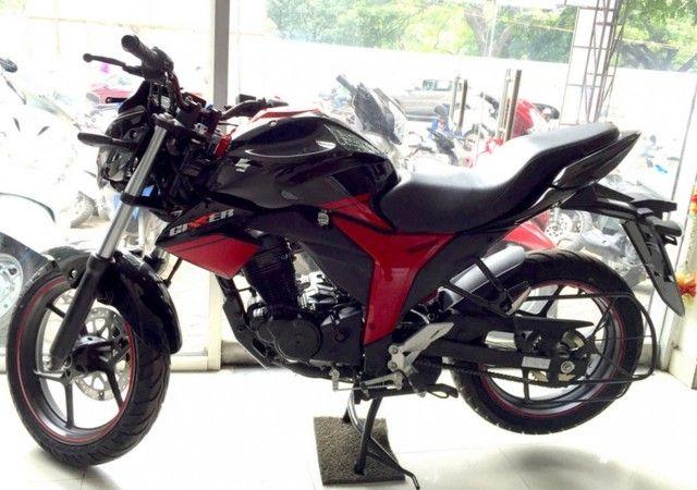 Ngắm xe mô tô giá rẻ Suzuki Gixxer 150 sơn 2 màu ngoài đời thực