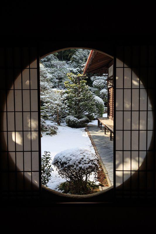 【額縁光景・その11】雪舟の庭の雪(芬陀院) : 花景色-K.W.C. PhotoBlog