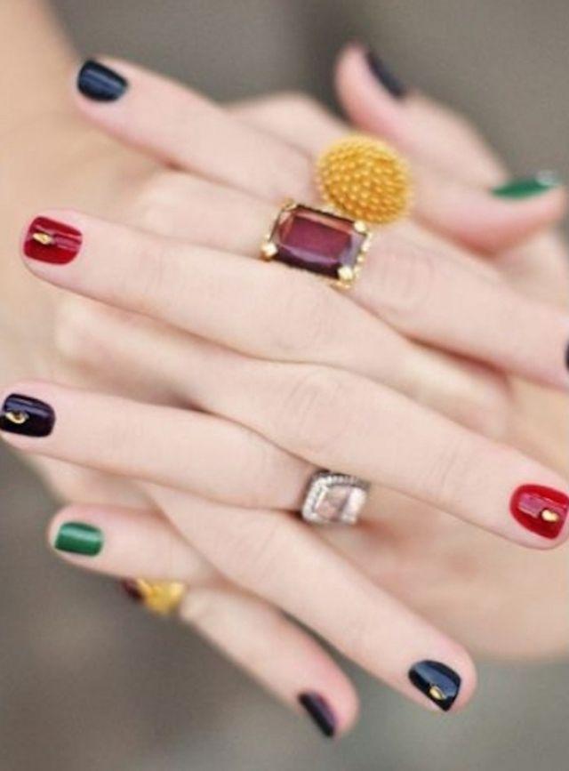 Tendenza unghie mismatched 🍂 I colori più belli per l ...