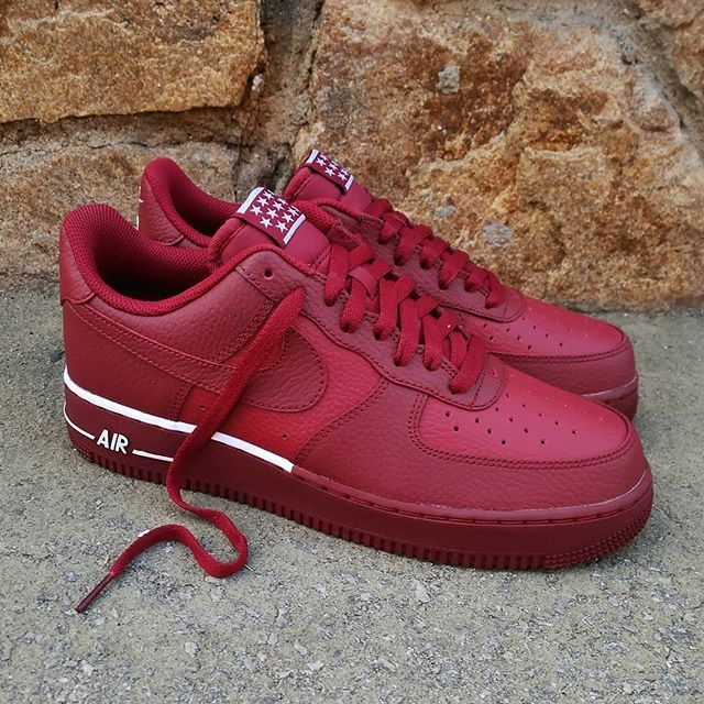 e89f0ca16895 Nike Air Force 1