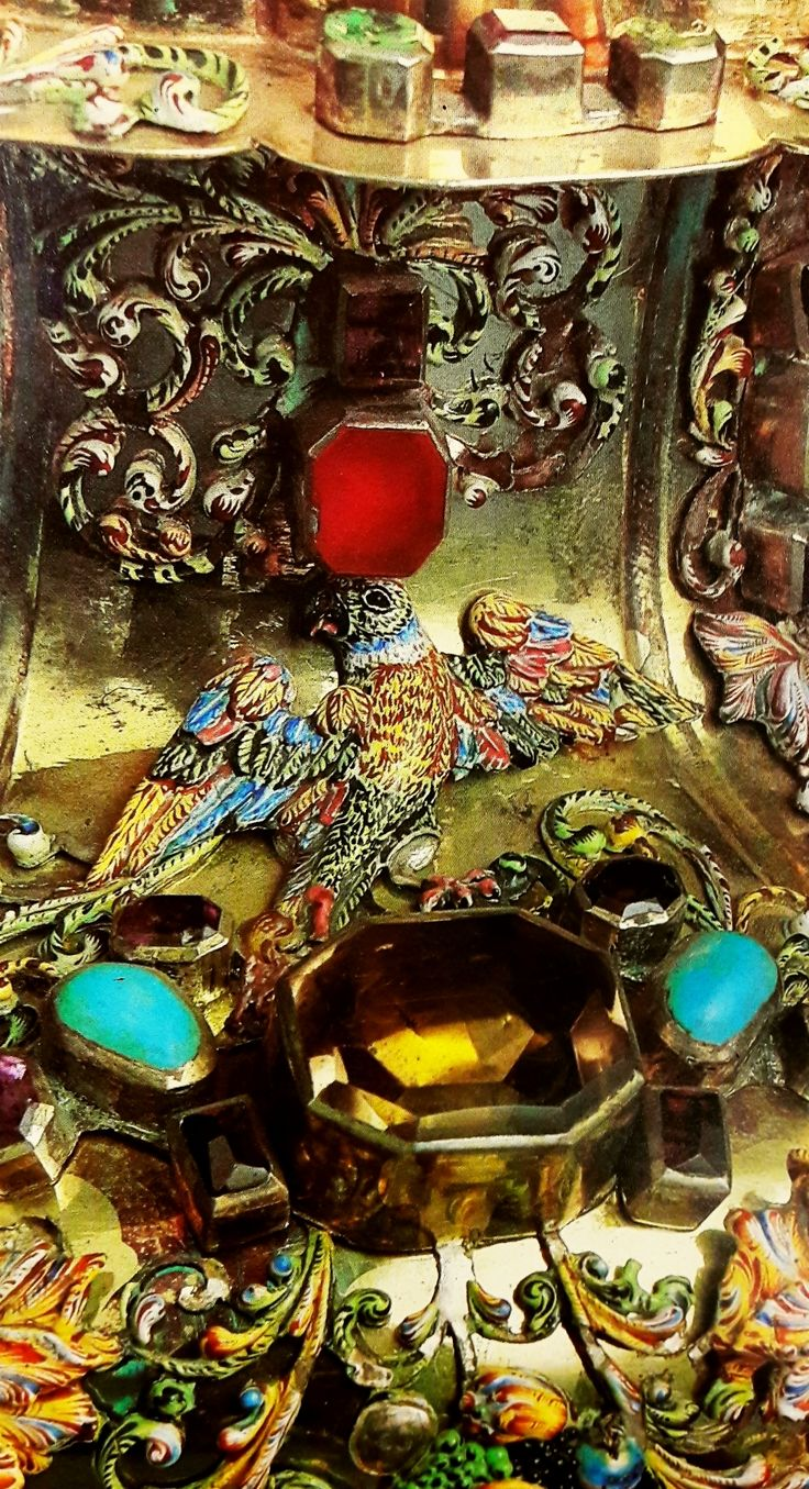 Fragment of silver and crystal monstrance set with precious stones by Hans Jakob Mair, ca. 1668, Skarbiec Paulinów na Jasnej Górze, offered by Empress Dowager Eleonor Gonzaga (1630-1686) to the Jasna Góra Monastery in 1670