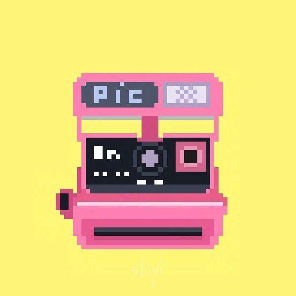 "ssssshiyi 在 Instagram 发布:""📷#polaroid #camera #pixelart"