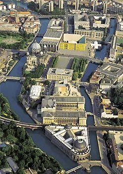 Die Museumsinsel mit Stadtschloss-Imagination 1993