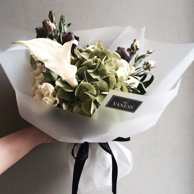 243 best Bouquet wrapping style images on Pinterest | Floral ...