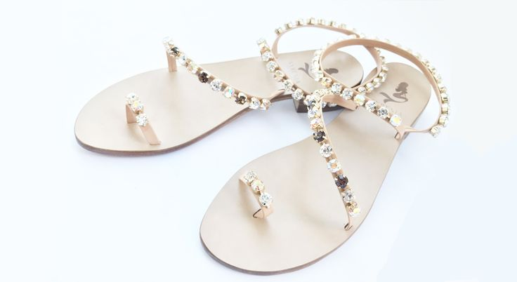 Swarovski Crystal Sandals #newcollection #sandaligioiello #sandaliartigianali #sandali #italianstyle #madeinitaly #blu #customized #jewellery #swarovski #shoes #instadaily #blogger #fashion #shopping #tailormade #mare #amalficoast #usa #verocuoio #moda #saturday #love #summertime #holiday #syrenia #fashion