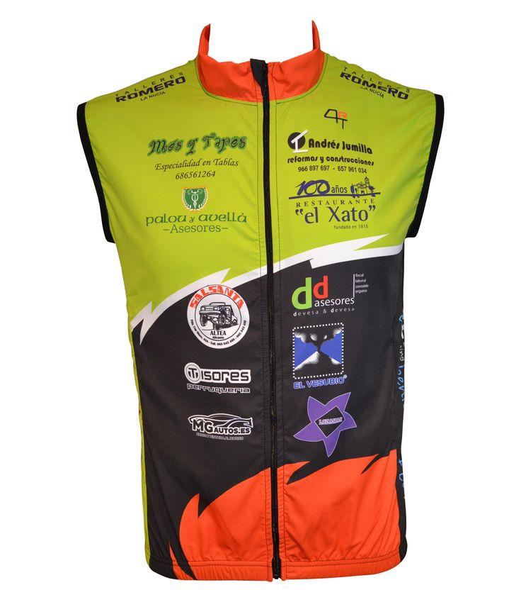 """Covert Sport. Nuevos Chalecos Ciclismo """"AL…PEDAL"""". Diseño Personalizado. Ligero chaleco multiusos. Tejido cortavientos en delantero y de red en la parte trasera. Banda reflectante de gran visibilidad. Muy práctico y fácil de guardar en cualquier bolsillo."""