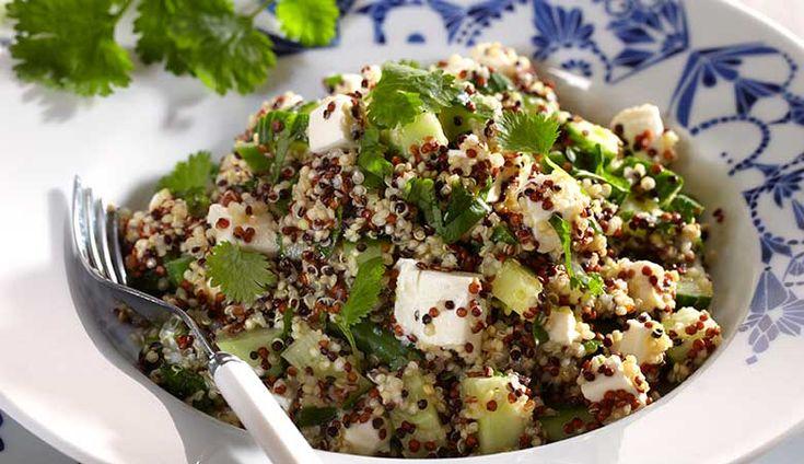 Quinoasalat med koriander, agurk og fetaost