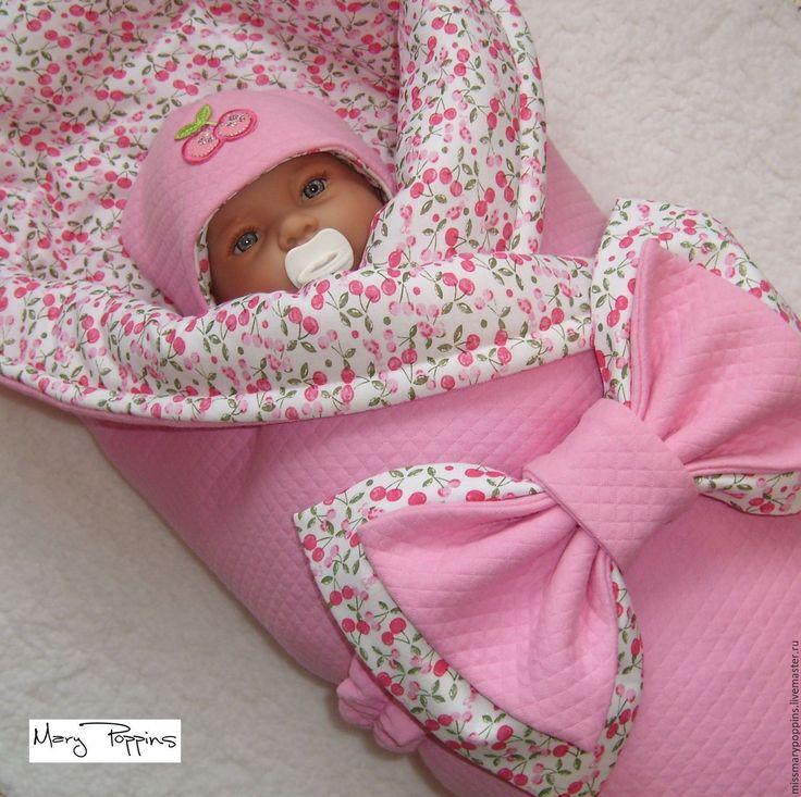 Купить или заказать Комплект на выписку 'Графиня Вишенка' для девочки в интернет-магазине на Ярмарке Мастеров. для сезона зима-начало весны (Альполюкс 200) - цена 2850 для сезона весна (Альполюкс 150) - цена 2750 Комплект на выписку для малышки, выполнен из стеганого трехслойного трикотажа капитоне. Включает: одеяло с утеплителем, теплую шапочку, трикотажный бант на резинке. Комплект можно дополнить слипом и чепчиком + 1000 руб.
