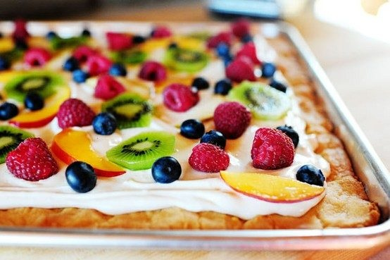 Deep dish fruit pizza | Dinner | Pinterest