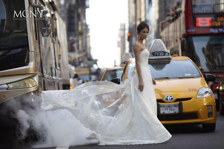 Relativ nou si foarte proaspat, salonulBelle et Bohème, aduce in Cluj-Napoca rochii de mireasa de lux, de la case de moda americane.