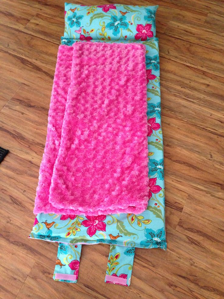 nap mat opened - I did have to redo handle added fabric to back of ribbon to give it structure