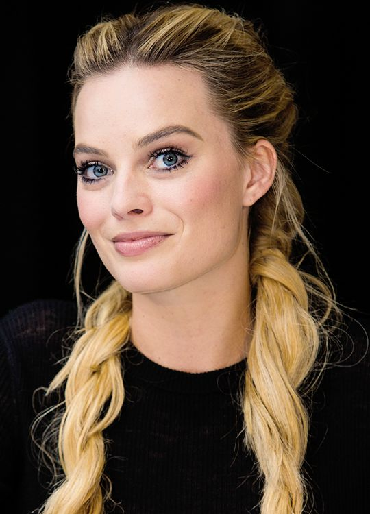 Everything Margot Robbie! en 2019 Margot robbie et Coiffure