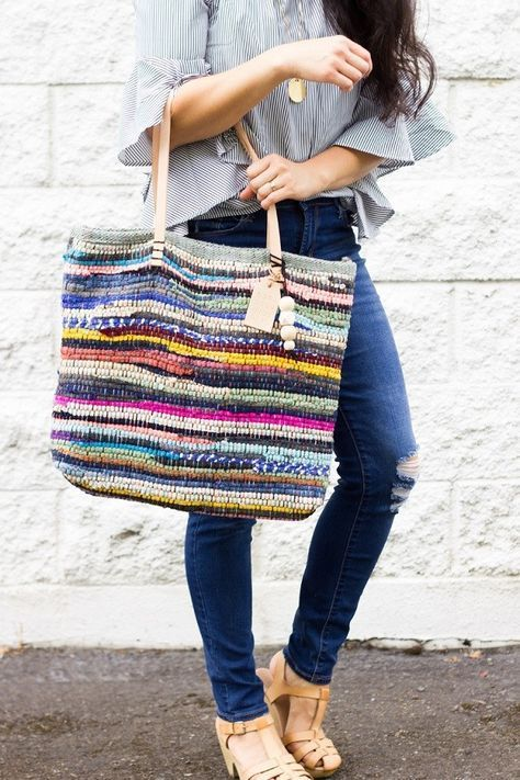 Tutorial: Rag Rug Tote Bag with Leather Handles I bet you would not look at it …   – Hairstyle