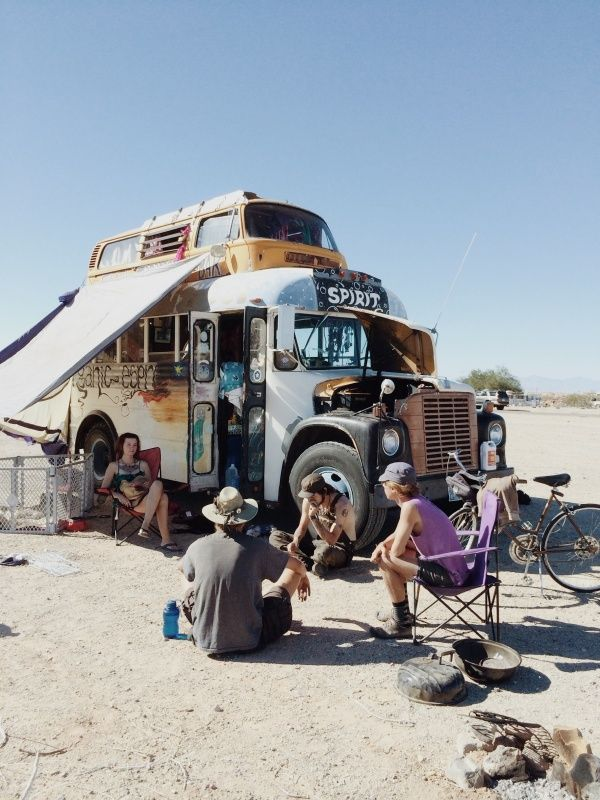 Slab City, California | Kevin Russ | VSCO Grid    these people are probably gone but i wish i couldve been there to hang out with them.