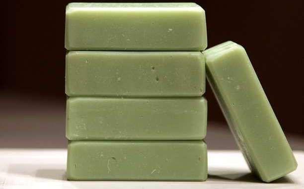 Τα μυστικά του πράσινου σαπουνιού και συνταγή για να φτιάξετε μόνοι σας