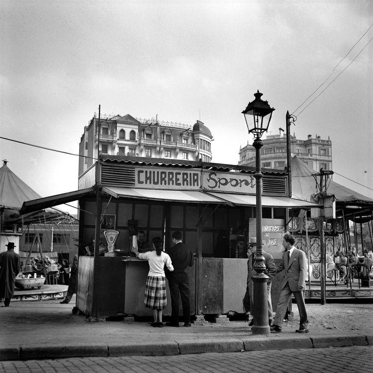 1950 ca. - Xurreria a la Plaça Lesseps. Francesc Català-Roca