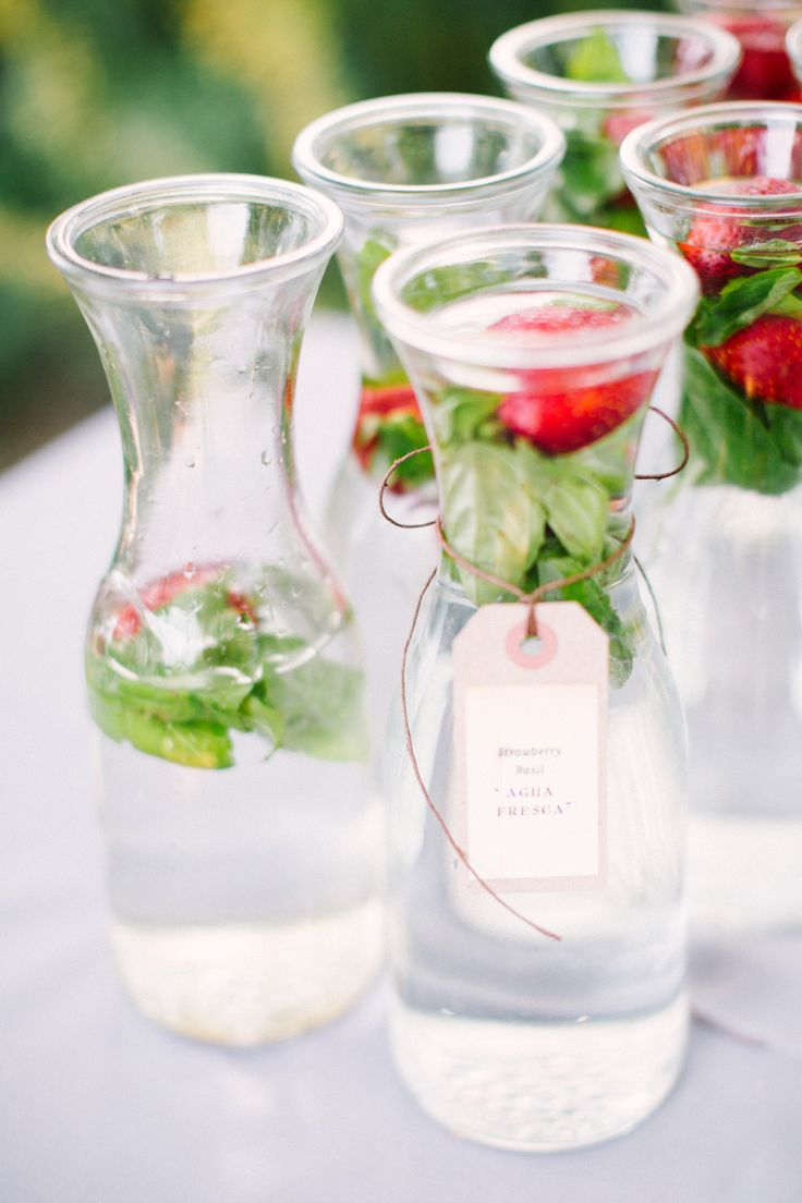 agua with strawberries and basil