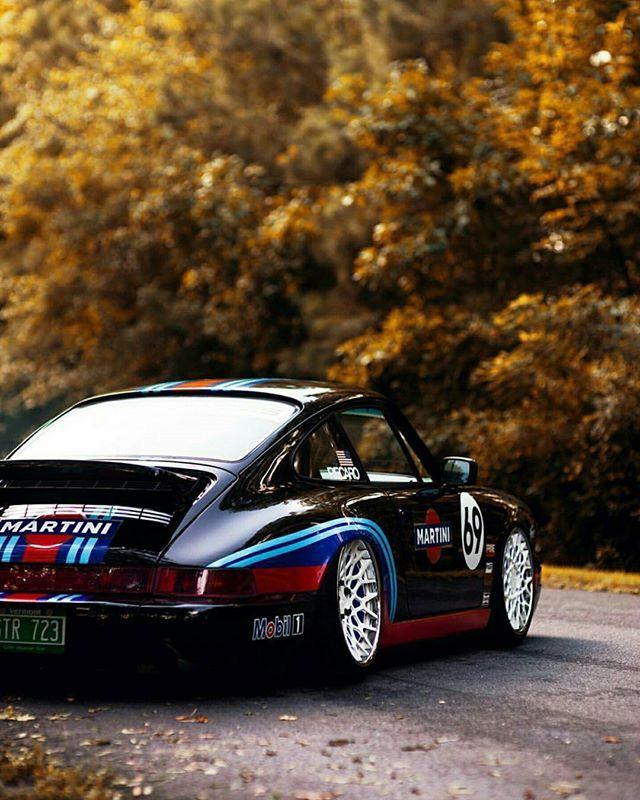 Porsche 911 slammed