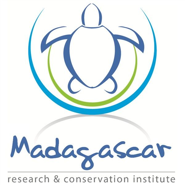Madagascar Research & Conservation Institute has an opening for a Teaching & Community Co-ordinator in Nosy Komba. Are you motivated, organised & able to lead small groups? A wonderful opportunity to gain experience in a stunning country! Click the logo for information. #madagascarvolunteer
