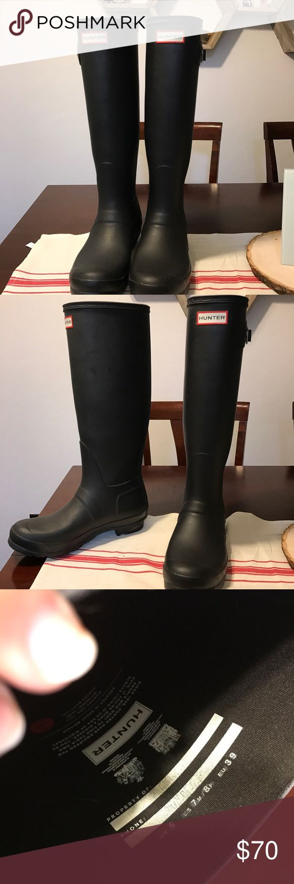 Hunter boots black matte Bought from another woman on Poshmark but I never had the chance to wear them out and still haven't and it's been 3 months since purchasing! Excellent condition size 8 women Hunter Boots Shoes Winter & Rain Boots