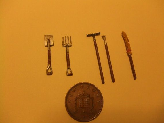 Quarter Scale, Garden Tools, 1/48th scale, Fork, Spade, Victorian Garden, 1/4…