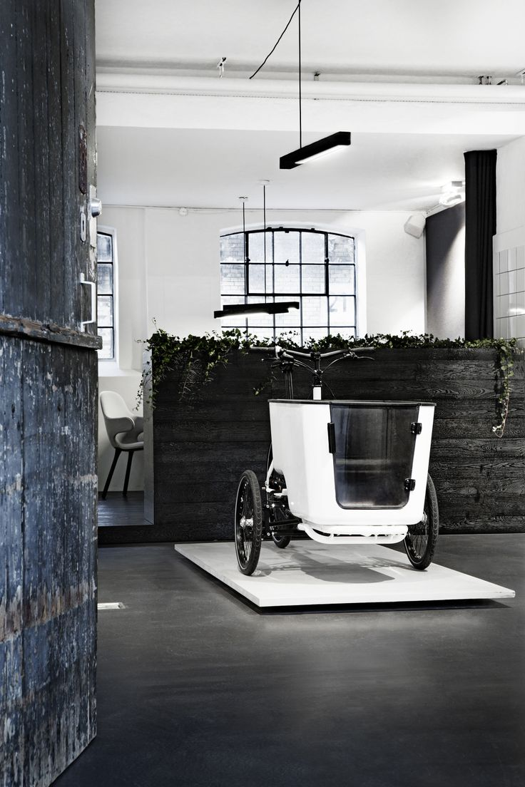 The new cargo trike 'Mk1' showcased in Butchers & Bicycles' new HQ and showroom in Copenhagen's meatpacking district. Located in funky 19th century stable buildings only a few 100 meters from the Central Station.   More: www.butchersandbicycles.com