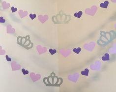 Esta guirnalda de cumpleaños de princesa vertical Anyoccasionbanners es apenas la cosa para su evento! Usted puede elegir los colores y la cantidad de guirnaldas que desee! Esta guirnalda inspiradora Sofia 1 Asegúrese de que tu pequeña sonrisa princesa! Hice estas guirnaldas de princesa muestra con coronas stock metálico tarjeta plata, luz púrpura tarjeta stock 1,5 pulgadas corazones y luz púrpura 2,5 pulgadas tarjeta corazones stock. Este cliente quería el número 4 en color blanco por lo…