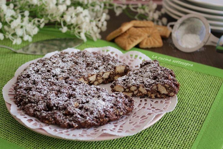 Torta croccante biscotti e cioccolato