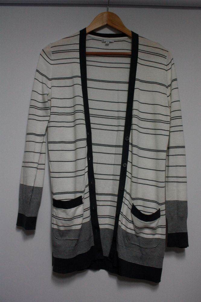 WOMEN GAP STRIFE WITH POCKET & BUTTONS CARDIGAN