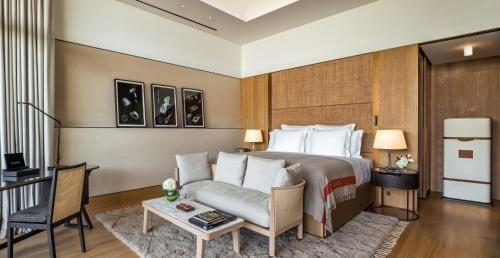 Luxury Hotels Projects by Hirsch Bedner Associates bedborad