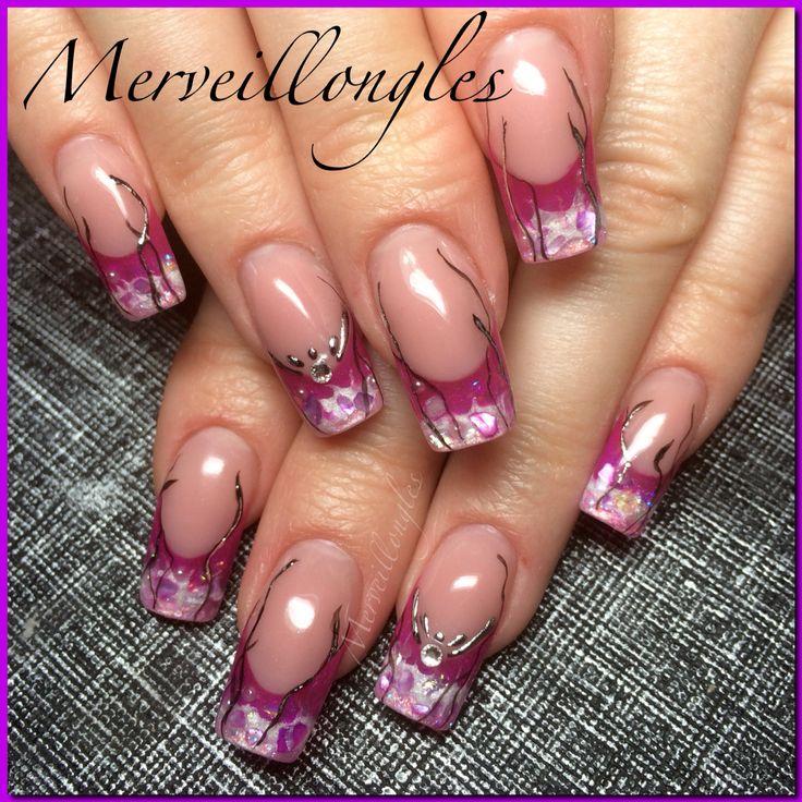 Ongles en gel UV french rose déco foil et strass