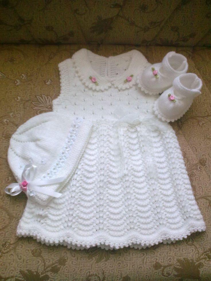 Örgü bebek  elbisesi ayakkabısı ve şapka takımı
