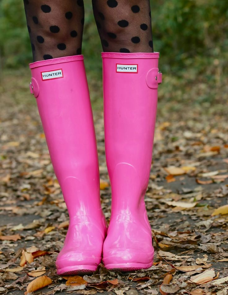 pink hunter rain boots with polka dots tights. Love this!!