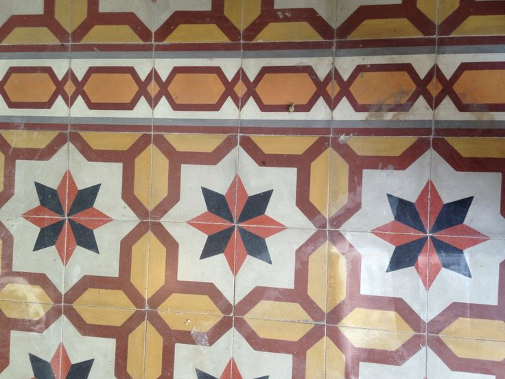 Antique border tiles, Hidra