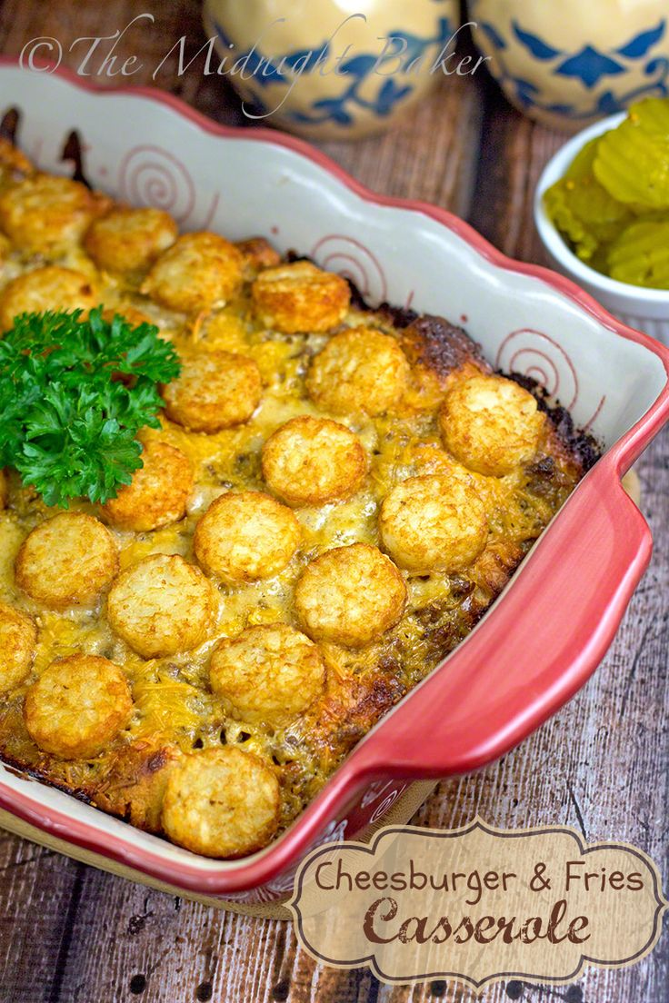 Cheeseburger & Fries Casserole | bakeatmidnite.com | #casseroles #cheeseburger #groundbeef