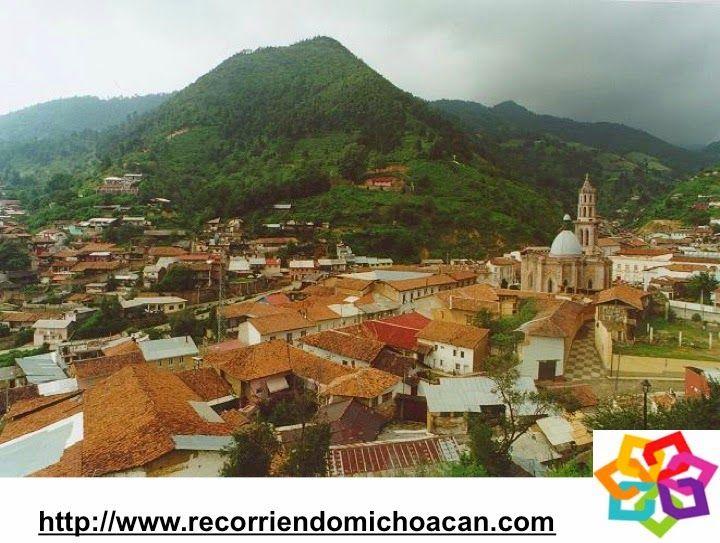 """MICHOACÁN MÁGICO te dice que el nombre de Angangueo tiene como significado """"cosa muy alta"""" o """"dentro del bosque"""", también se le conoce como """"pueblo entre montañas"""". Su situación geográfica lo sitúa en el eje transversal volcánico, y rodeado por un bosque de coníferas. Es encantador ver sus casitas de techo de tejas con lindos balcones. AG HOTEL http://www.aghotel.com.mx/"""