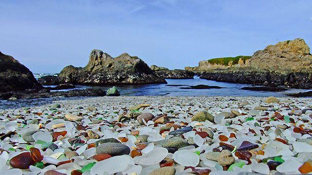 Wenn Müll am Strand liegt, ist das für die meisten Touristen eher ärgerlich. Doch im MacKerricher State Park, im Norden  Kaliforniens ( USA), gibt es einen
