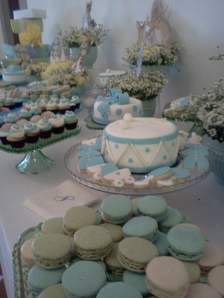 Sweet Corner at a Bay shower - Lavender and Vanilla Macaroons, cupcakes and cookies for our guests #guidilenci