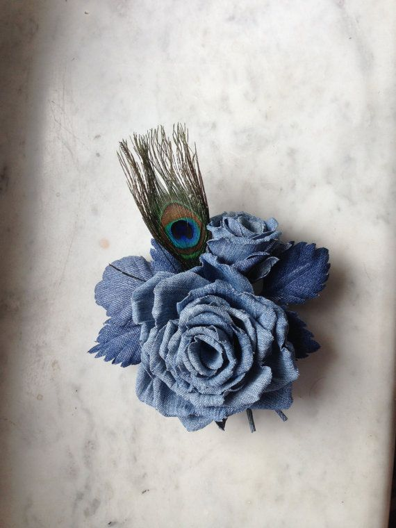 A simply elegant accessory for any occasion. This flowers is completely hand made by me in an old-school millinery technique (all petals are cut