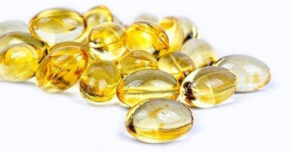 مكملات زيت السمك أوميغا 3 قد تقلل من مخاطر الأزمة القلبية قد يقلل تناول مكملات زيت أوميغا 3 يوميا من خطر ال Vitamin D Vitamin D Supplement Nutritional Therapy
