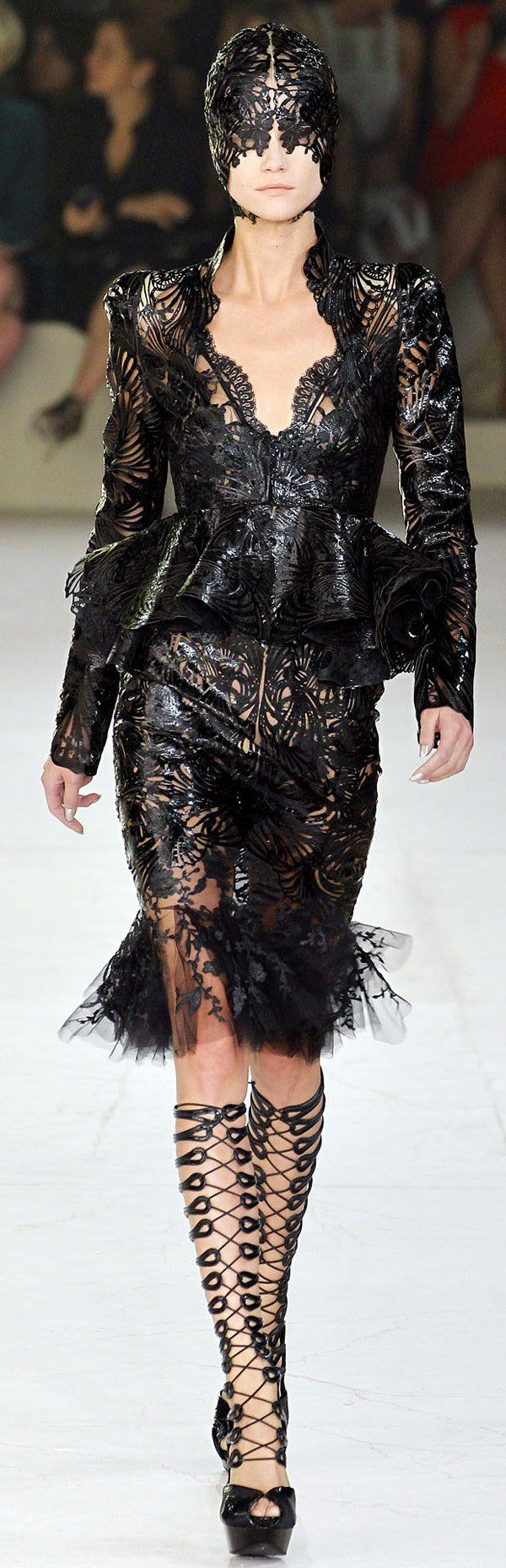 Alexander McQueen 2012... reminds me of a costume from the Aeon Flux movie...........which is so NOT the MTV show!