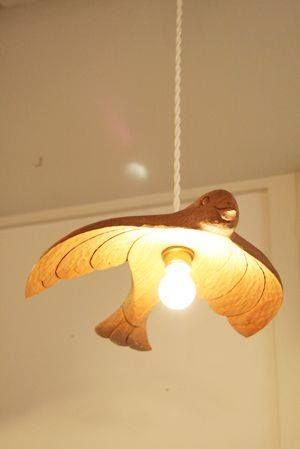 珍しくて可愛らしい鳥型の照明カバー。ガーリーなお部屋にぴったり。