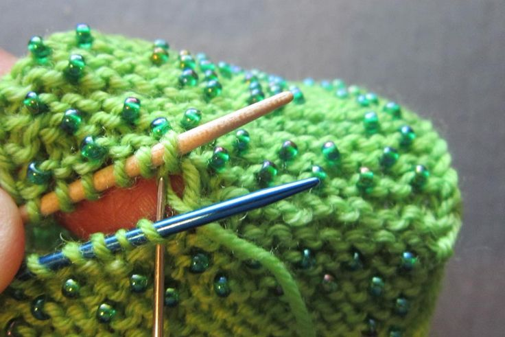 Kitchener Garter Stitch: Instructions for joining with the  sewn grafting method to produce an invisible seam in garter stitch